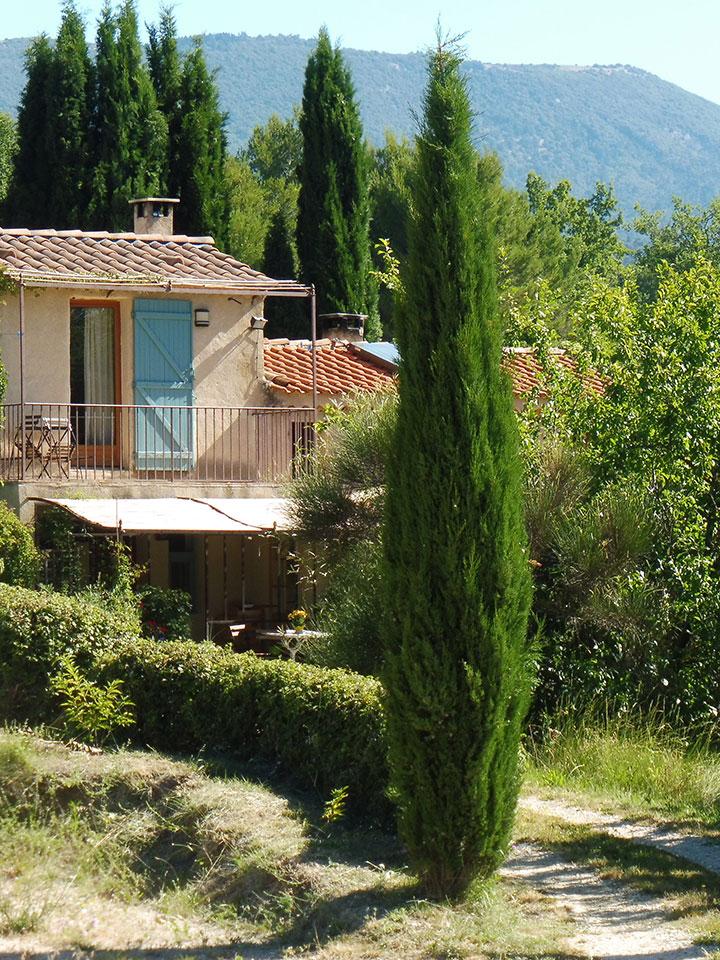 Ecogite-a-la-ferme-au-Vabre-Provence-cucuron